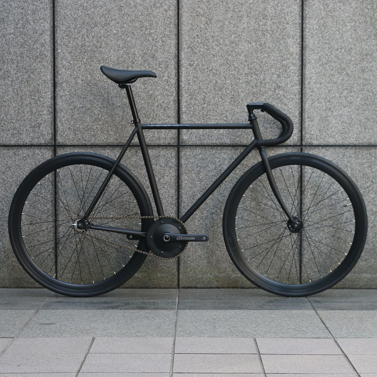 【 SPECIAL PRICE 】ピストバイク 完成車 CARTEL BIKES AVENUE MAT BLACK AERODASH DIRECT CRANKSET CUSTOM