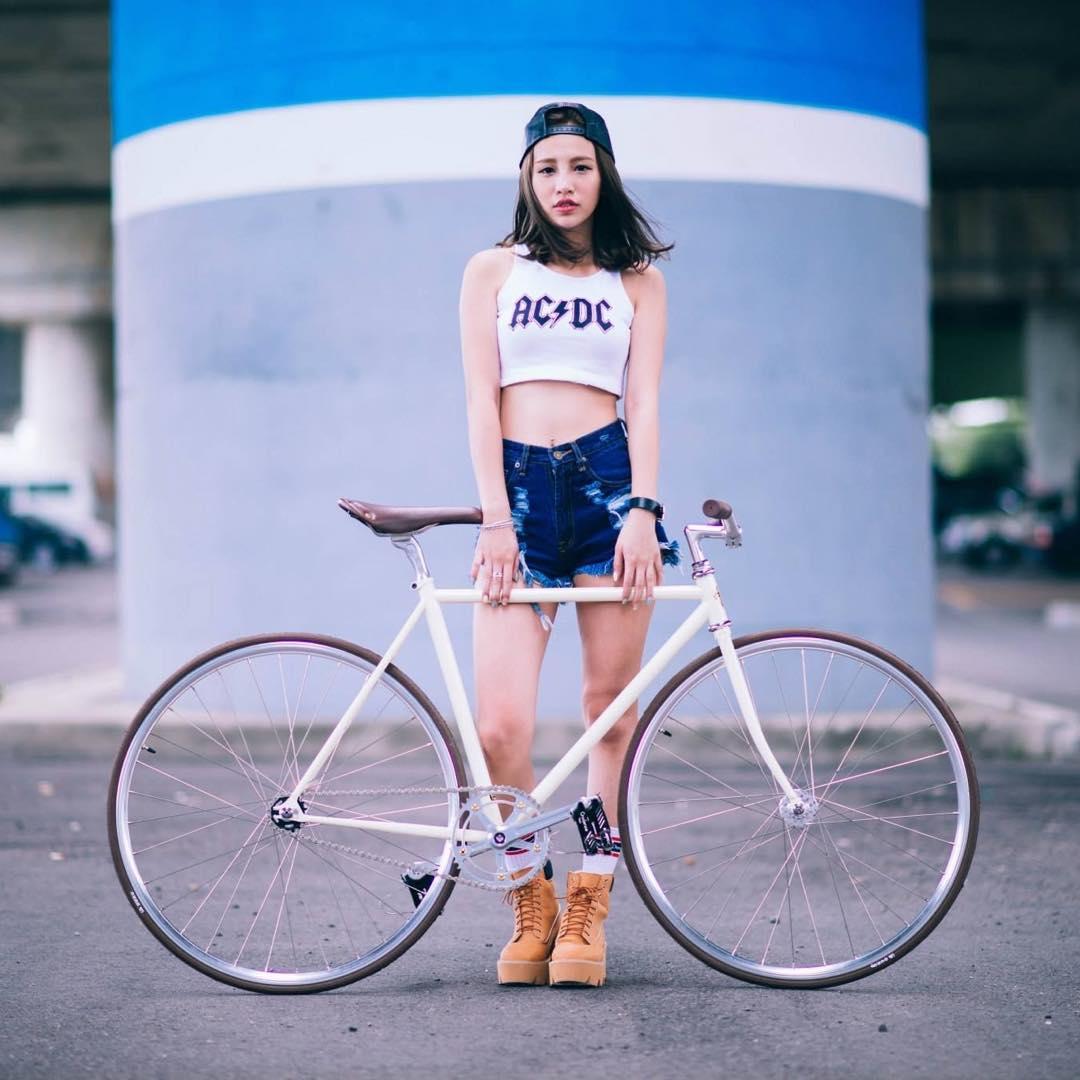女性にもピストバイクはオススメです!!